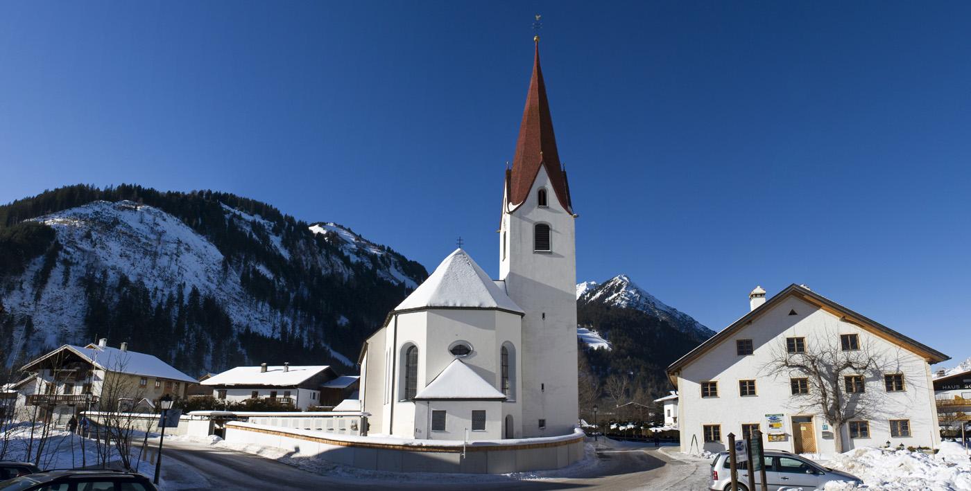 2010-01-20 Het dorp Bichlbach ligt op 1079 meter in Tirol. Het dorp zelf is klein, maar het beschikt over een leuk en gezellig gebied met sneeuwzekere pistes. ANP COPYRIGHT SVB